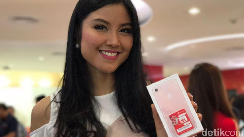 Deretan Selebriti Rupawan Pemburu iPhone 7