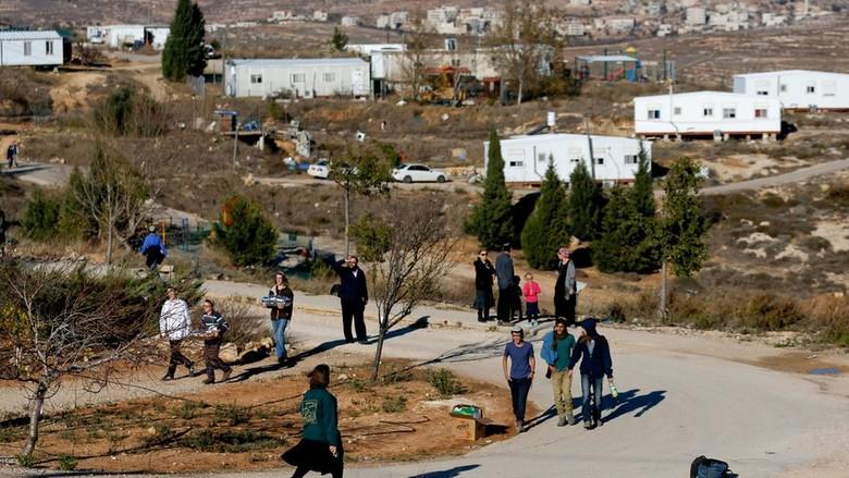 Israel Setujui Permukiman Baru di - Tepi Barat Reuters HuniandiAmona yang dievakuasi pada Februari telah menyetujui pembangunan permukiman pertama di Tepi yang pertama dalam