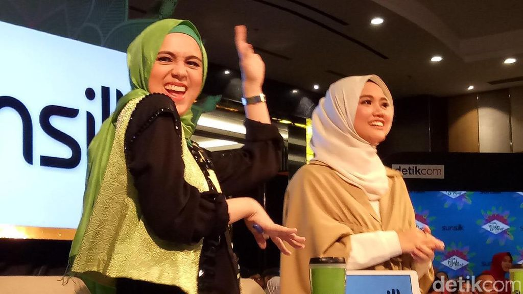 Foto: Ketika Nycta Gina Joget Diiringi Lagu Melayu