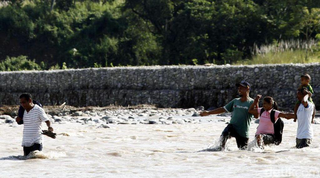 Ini Ujung Indonesia di Turiskain, di Seberang Sungai Sudah Timor Leste