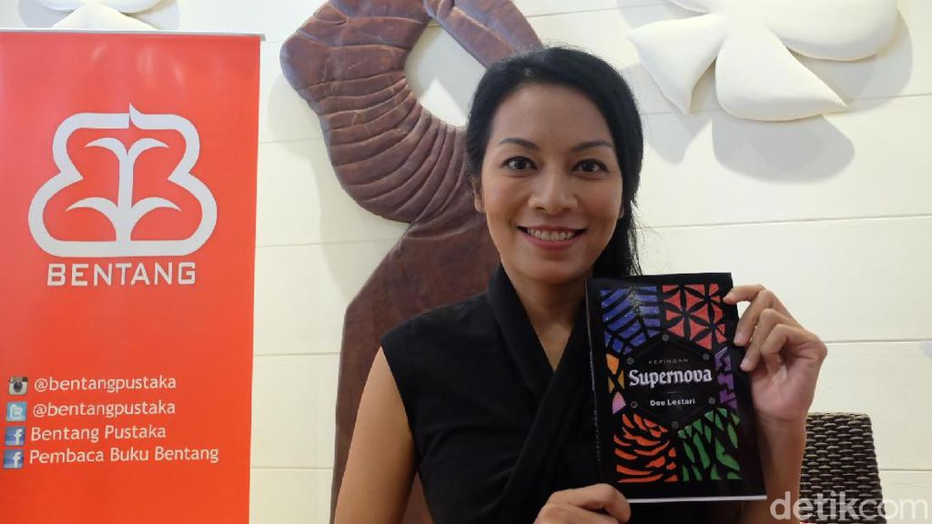 Dewi Lestari akan Ngobrol Kepingan Supernova di Big Bad Wolf Jakarta 2017