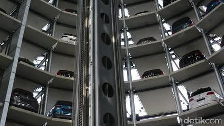 Menara Kaca Kembar di Wolfsburg Ini, Tempat Parkir Mobil Baru VW