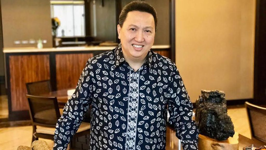 Hindari Macet Jakarta, Boy Thohir Naik Ojek Online