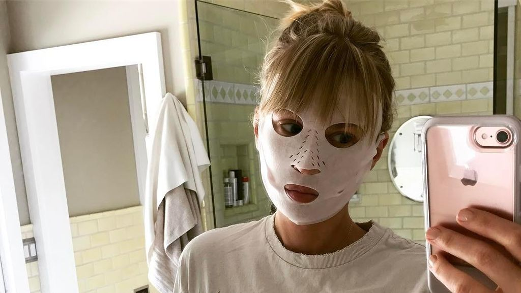 2 Brand Kecantikan Rilis Masker Tisu Kering, Efektifkah Merawat Wajah?