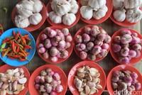 Di sudut pasar yang lain, adalah tempat sayur mayur. Mata kita akan dimanjakal dengan sayur mayur yang ditata menarik (Fitraya/detikTravel)