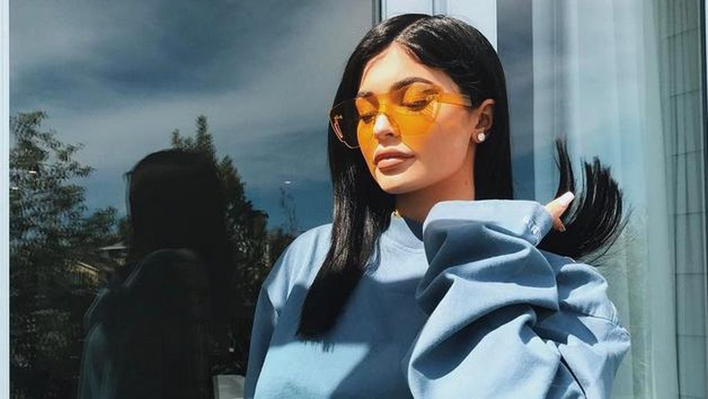 Kylie Jenner Pamer Hewan Peliharaan Barunya, Seekor Ayam