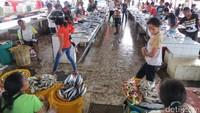 Meskipun bukan objek wisata, Pasar Atambua menarik untuk dikunjungi. Suasana pasar sungguh ramah (Fitraya/detikTravel)