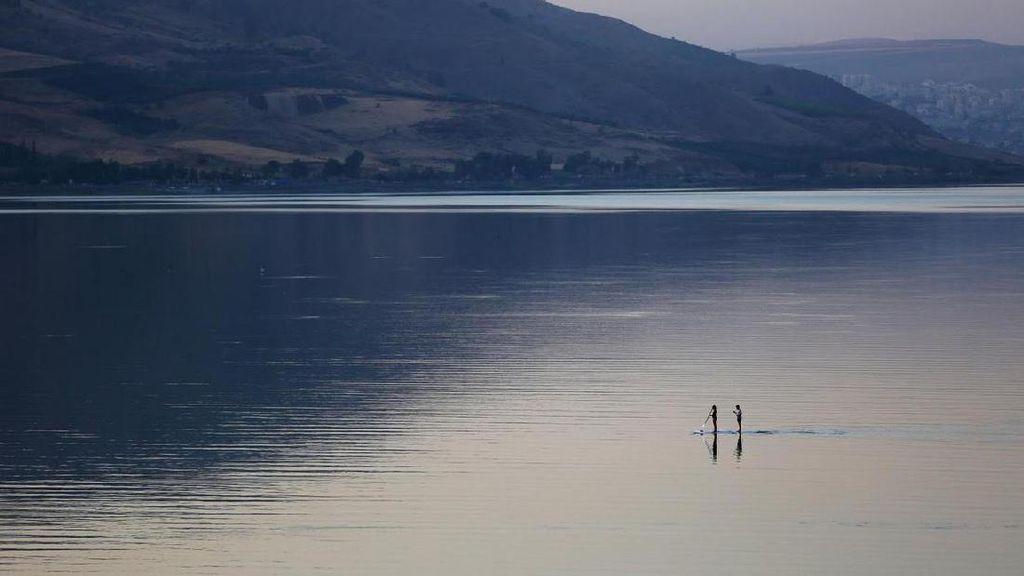 Potret Danau Galilea & Kisah Mukjizat Nabi Isa