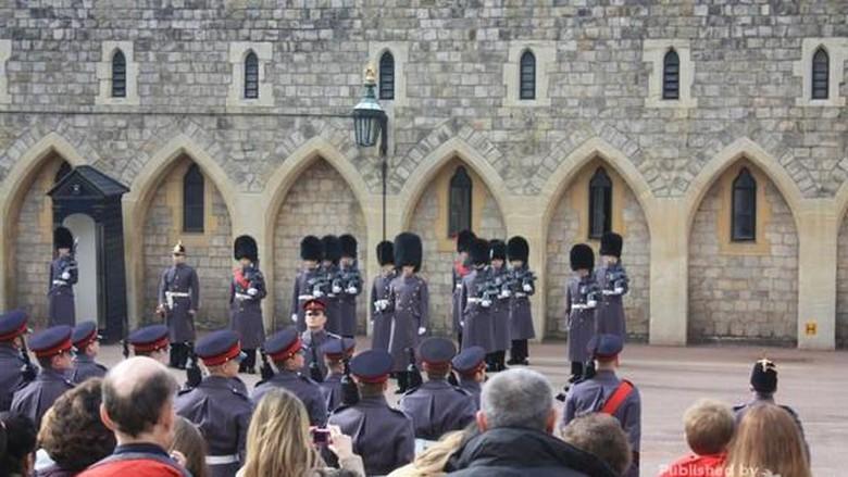 Pergantian penjaga Kastil Windsor (Juni Martini Hafri/dtraveler)