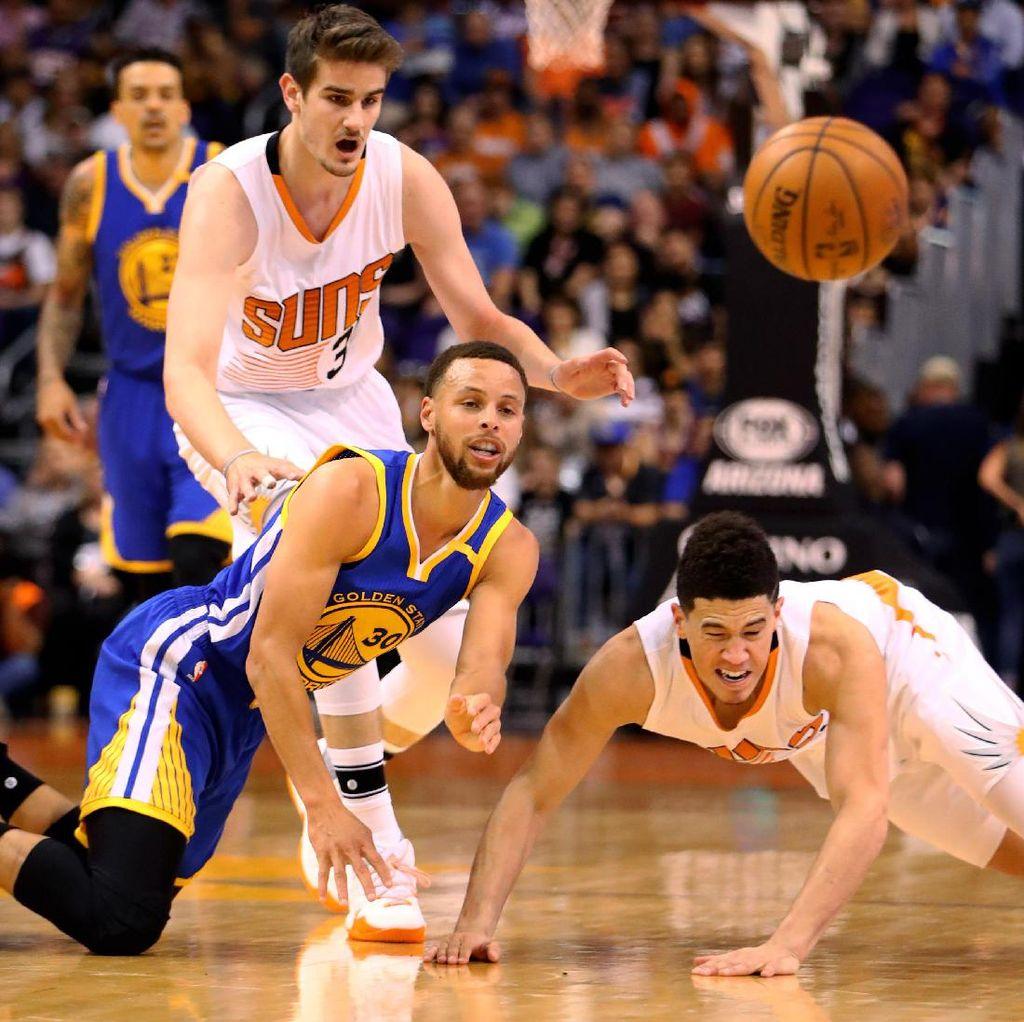 Warriors Kalahkan Suns, Ciptakan Rekor Baru