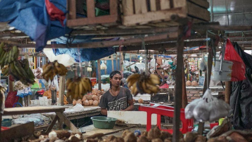 Portrait penjual kelapa