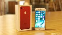 Unboxing iPhone Berkelir Merah di Jakarta