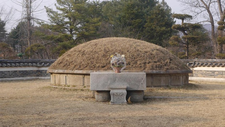 Foto: Makam Jenderal Nami di Nami Island, Korea Selatan (Kurnia/detikTravel)