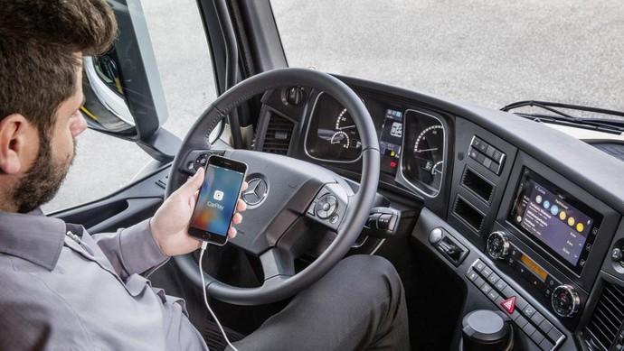 Truk Kini Bisa Terhubung ke Smartphone