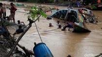 Banjir Hempaskan 73 Perahu Nelayan di Pati