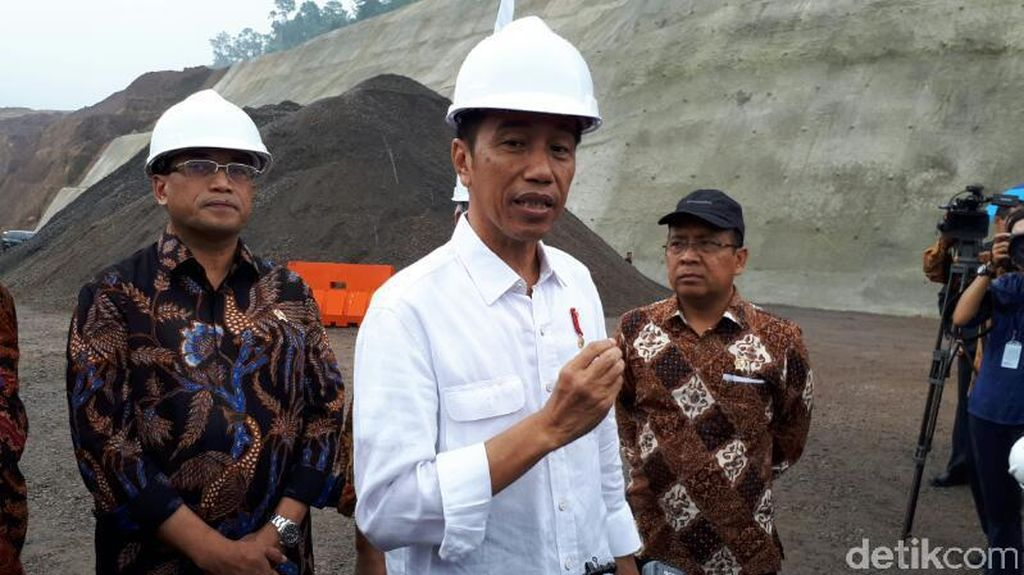 Jokowi Jelaskan Pentingnya RI Punya Kereta Bandara
