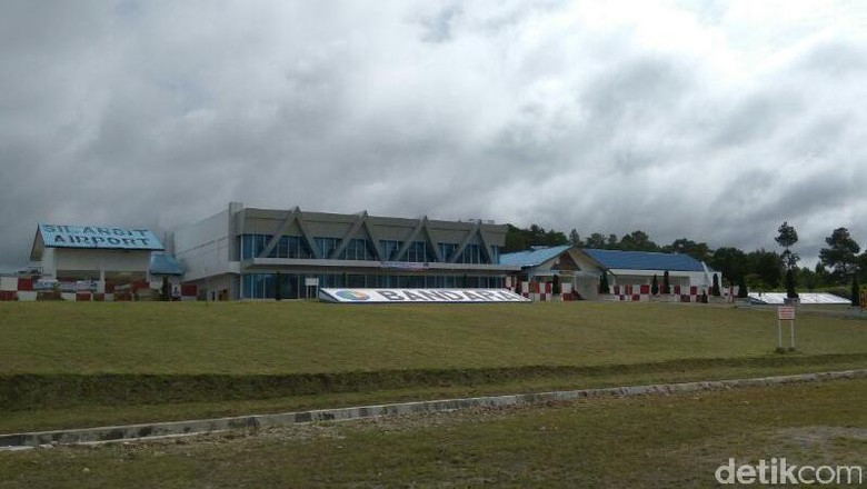 Foto: Bandara Silangit di Tapanuli Utara (Hendra Kusuma/detikTravel)