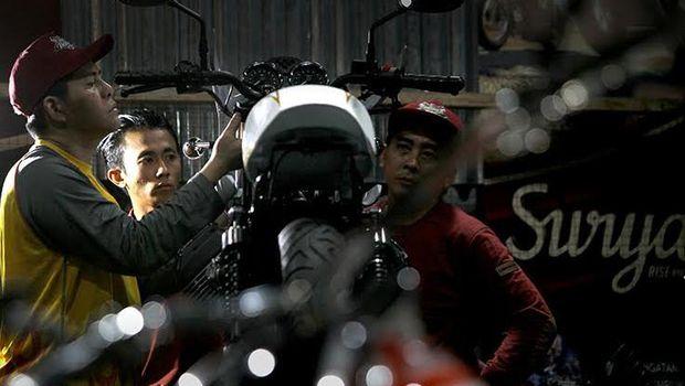 Motor Modifikasi Iconic Bike Suryanation Siap Bersolek