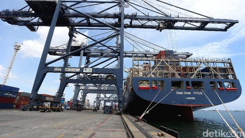 Saingi Singapura, Tanjung Priok Bisa Disandari Kapal Raksasa 15.000 TEUs