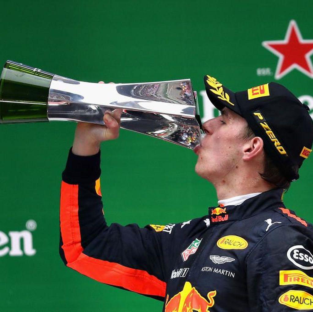 Verstappen Mengaku Salip Sembilan Mobil di Lap Pertama