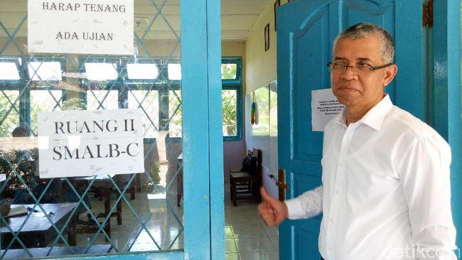 Siswa Difabel Di Palembang Lakukan Un Berbasis Kertas