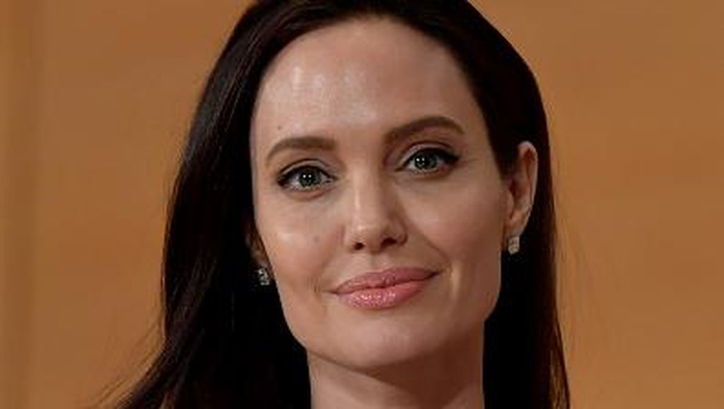 Mengintip Isi Rumah Baru Angelina Jolie Seharga Rp 332M
