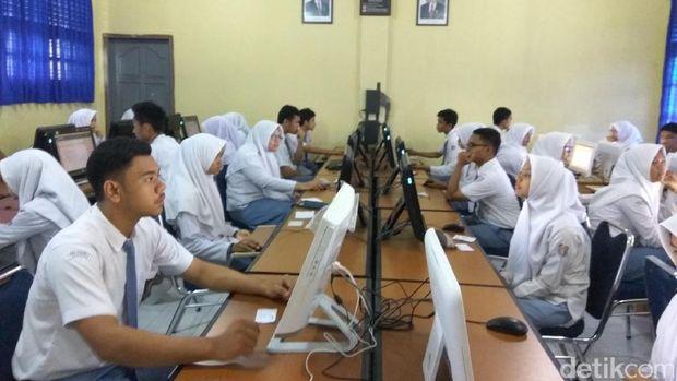 55 786 siswa aceh jalani un gubernur harap dapat hasil
