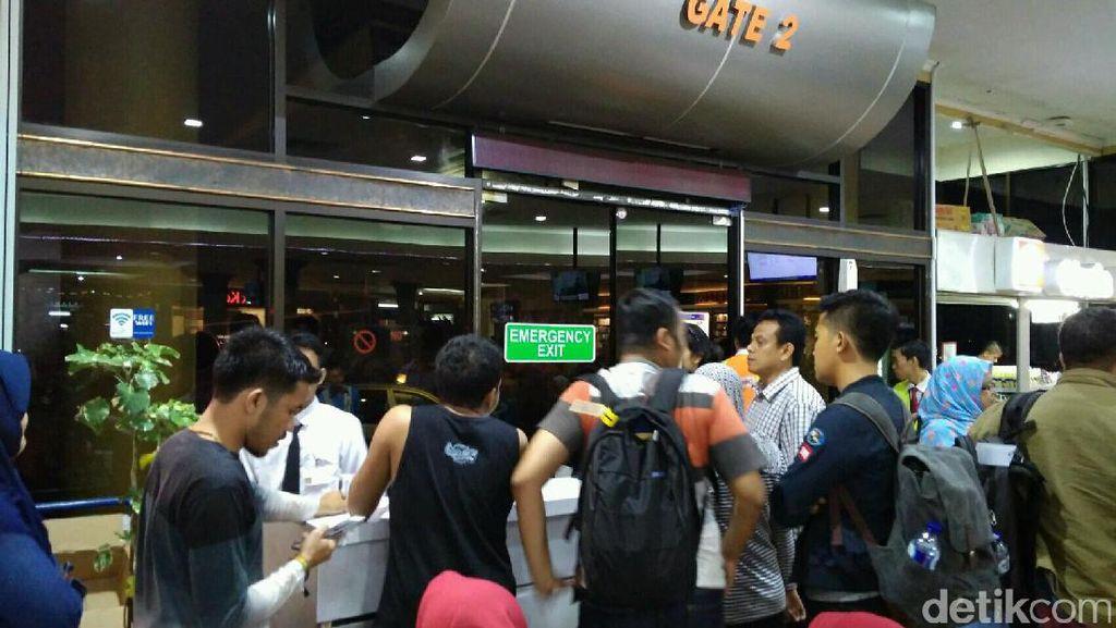 Sejumlah Penerbangan Lion Group di Yogya Ditunda Hingga Senin Pagi