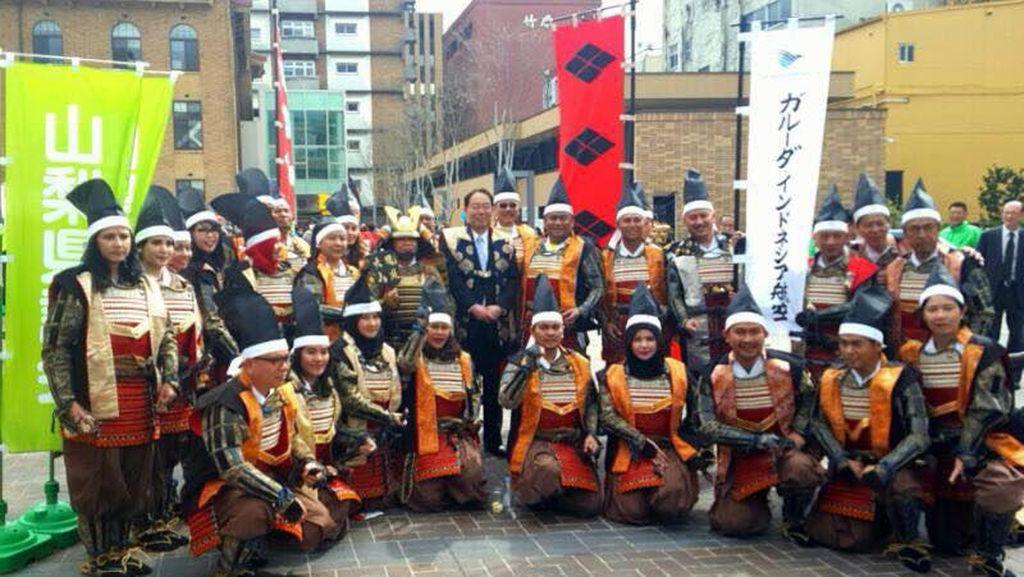 Gaya Jusman dan Gobel Jadi Samurai di Jepang