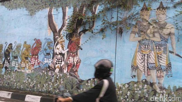 Mural jembatan lempuyangan street art yang tersisa di for Mural yogyakarta
