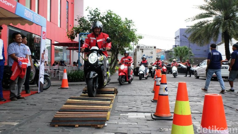 Honda Targetkan Bisa Kirim Lebih Banyak Skuter Retro Ini di Daerah