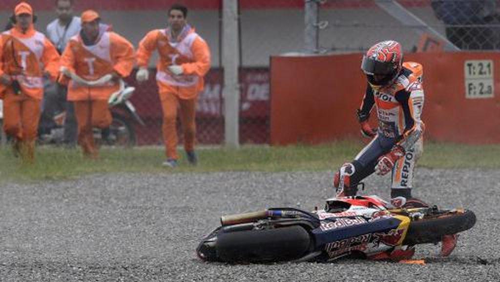 Foto: Momen Jatuhnya Marc Marquez di MotoGP Argentina