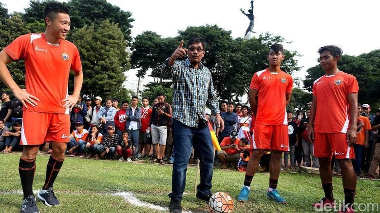 Djarot Janji Bangun Stadion BMW dan Renovasi Lapangan Banteng