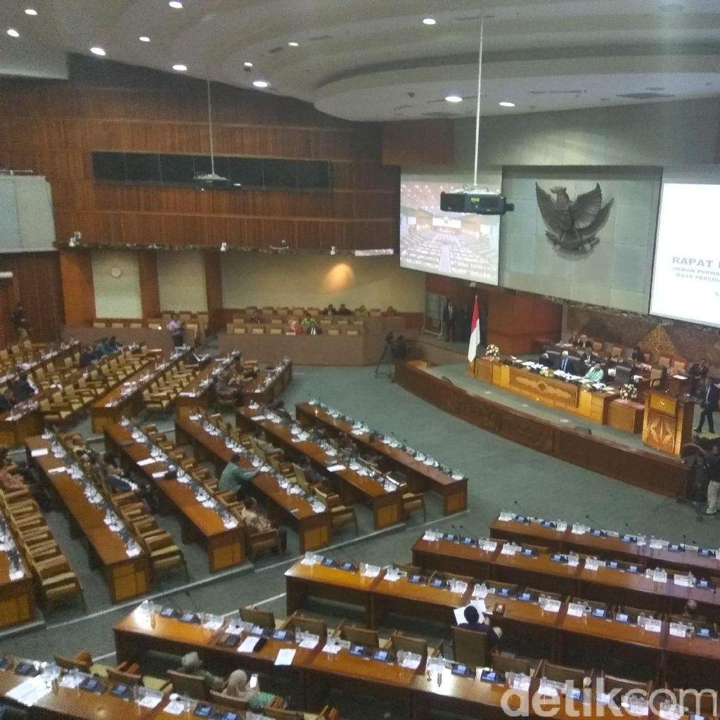 Komisi III Bacakan Usulan Hak Angket Terhadap KPK