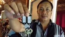 Pemkot Solo Bagikan Kunci Kios Pasar Klewer