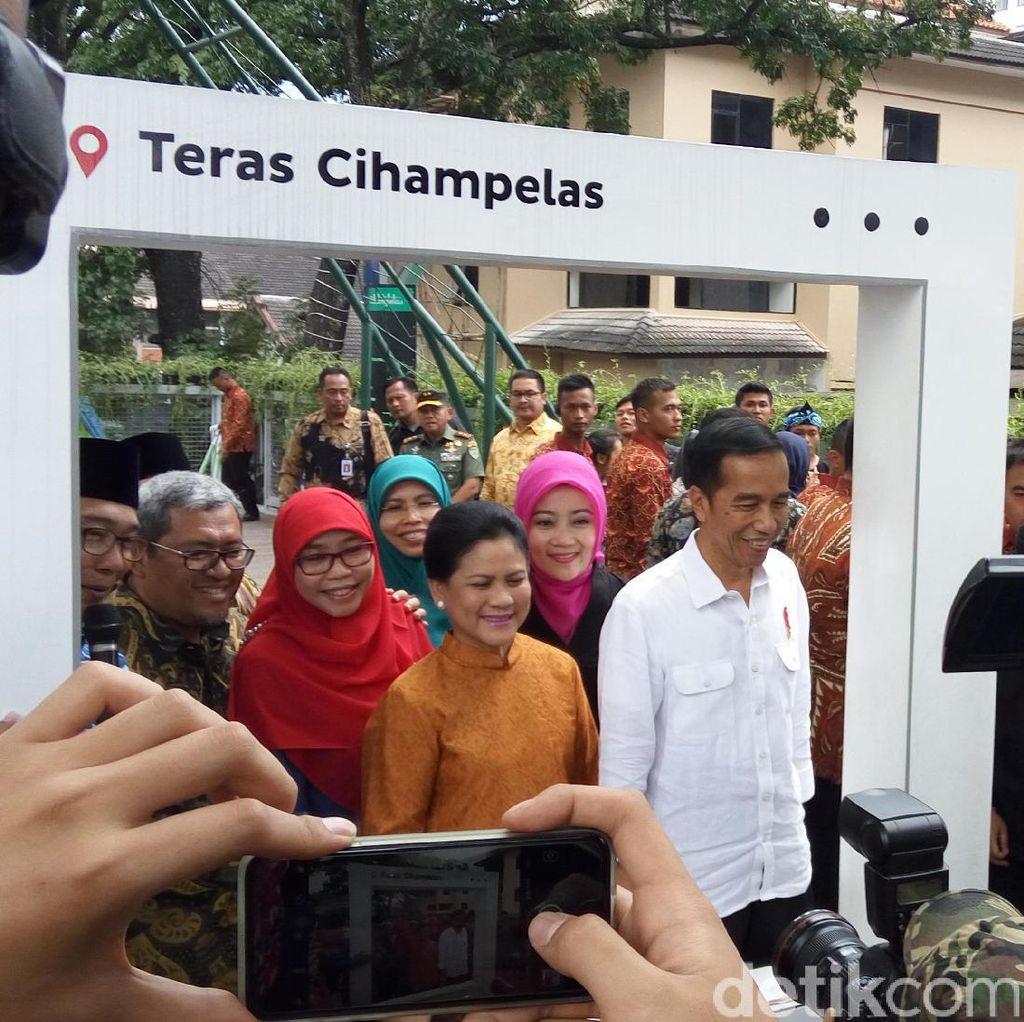 Jalan-jalan ke Bandung Belum Pas Jika Belum ke Teras Cihampelas