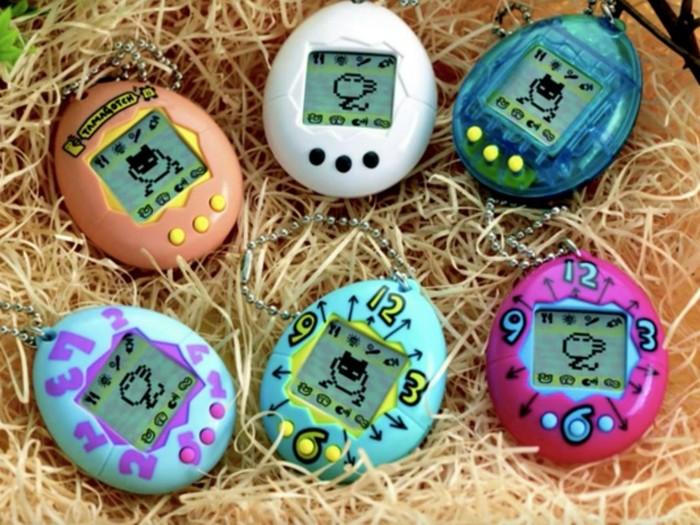 Asal nama Tamagotchi diambil dari kata tamago yang dalam bahasa Jepang berarti telur dan watch yang dalam bahasa Inggris berarti jam tangan. Foto: istimewa.