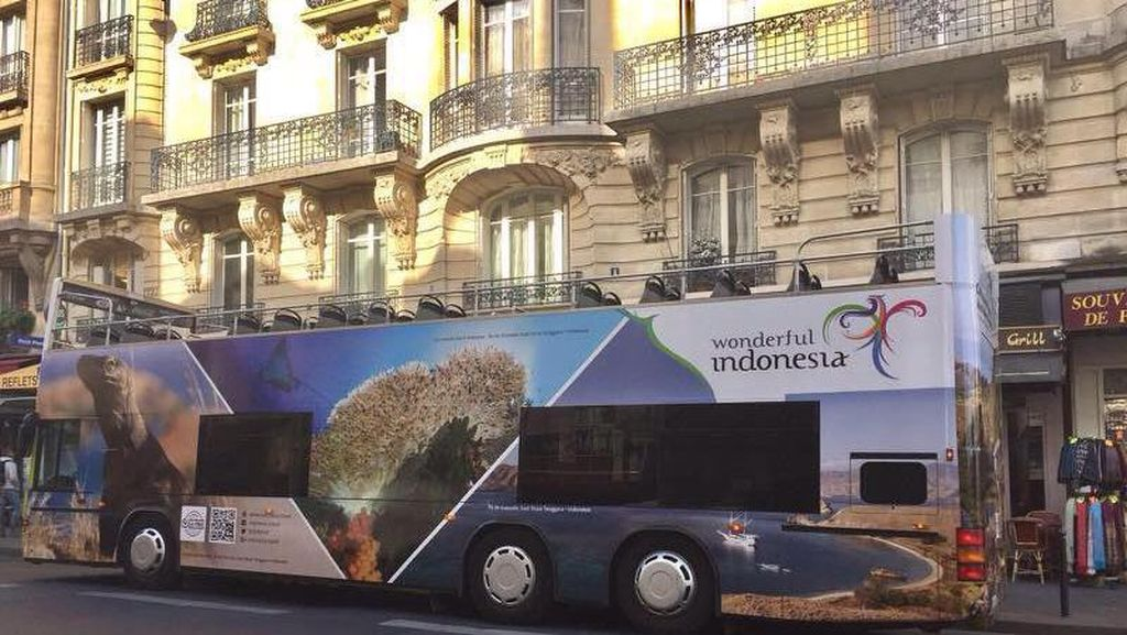 Bus Wonderful Indonesia Lagi Wara-wiri di Paris