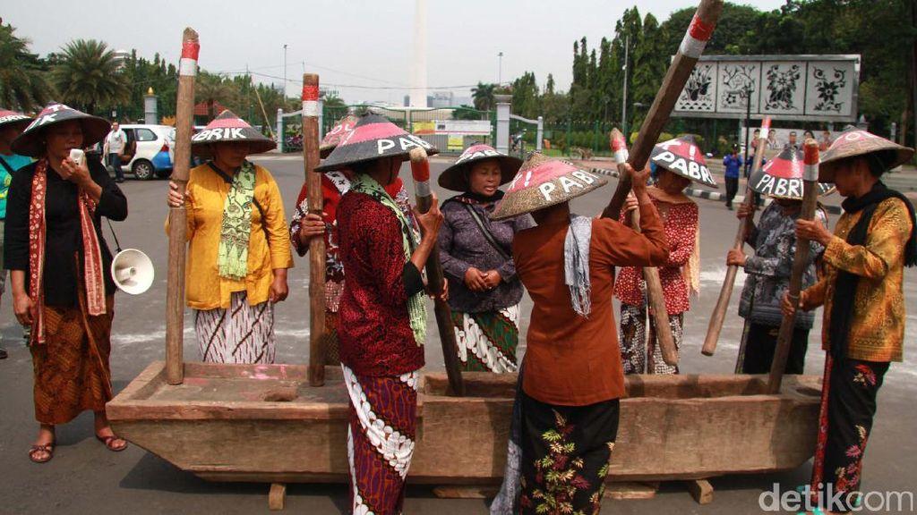 Legalkan Pabrik Semen Kendeng, 3 Hakim PN Gresik Dilaporkan ke KY