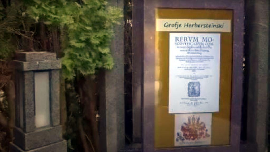 Keren Atau Aneh? Batu Nisan di Slovenia Jadi Papan Reklame Digital
