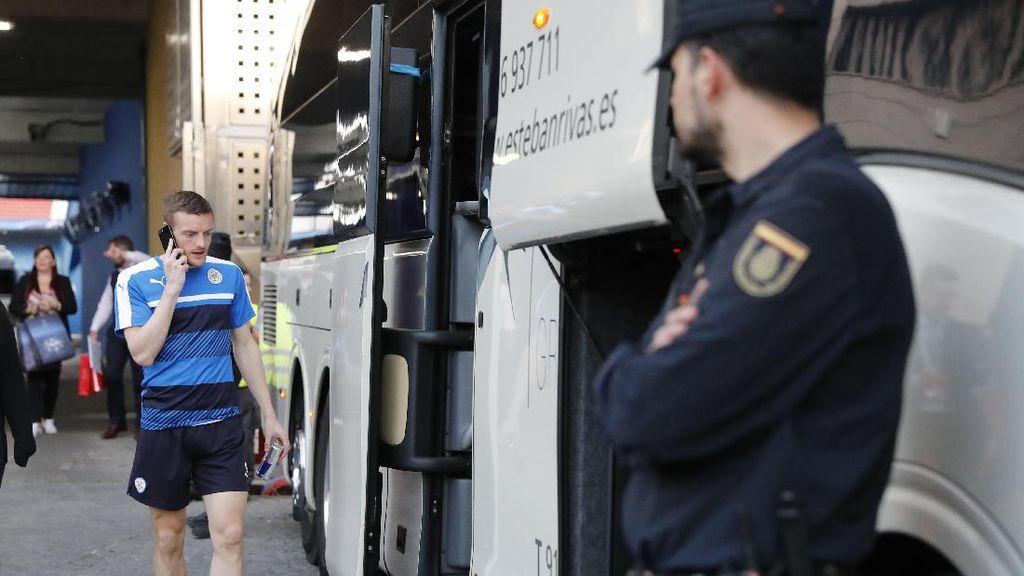 Suporter Leicester Bentrok dengan Polisi Madrid, Beberapa Ditangkap