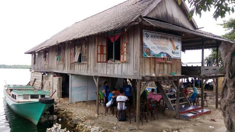Foto: Rumah Panggung khas Desa Derawa di Wakatobi (Mukhlis/detikTravel)