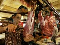 Peternak Ngeluh Harga Daging Sapi Lokal Anjlok Gara-gara Kerbau India