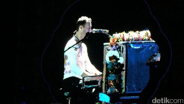 Salah Teknis & Salah Lirik Warnai Konser Coldplay di Taiwan