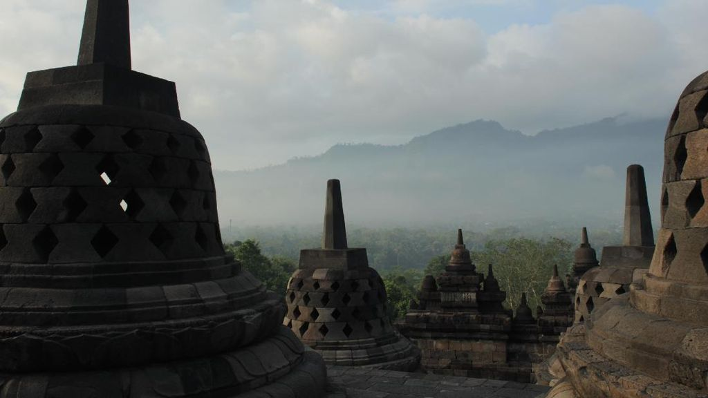 Mulai Nikmati Long Weekend dengan Sunrise Candi Borobudur