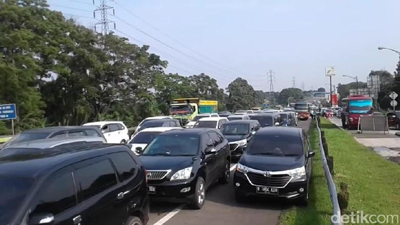 Long Weekend, Antrean Mobil di Gerbang Tol Ciawi Sepanjang 2,5 KM