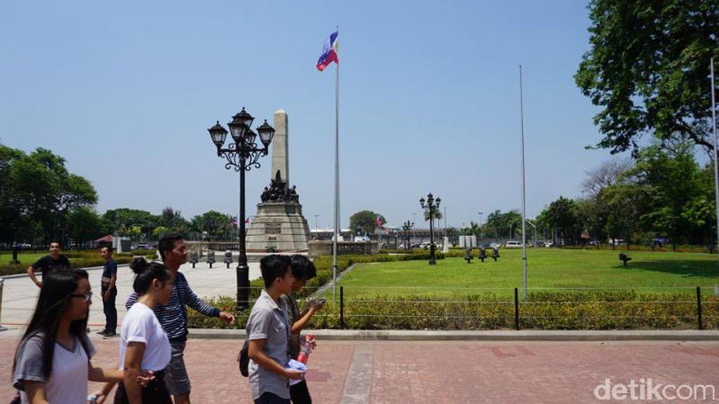 Akhir Pekan di Monas-nya Filipina