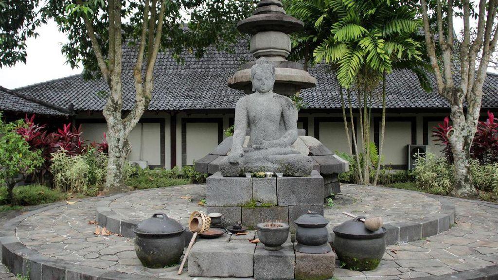 Konon, Ini Isi dari Stupa Terbesar di Puncak Borobudur