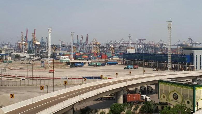 Ini Alasan Kapal Raksasa Pilih Pelabuhan Singapura Ketimbang RI