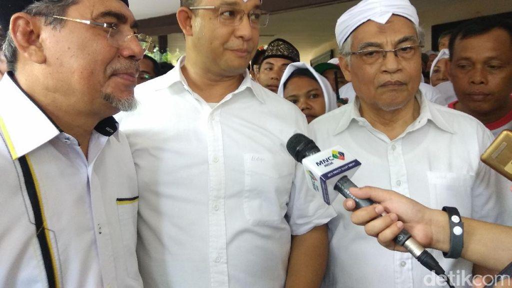 Didukung Masyarakat Indonesia Timur, Anies Menari Cakalele